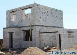 Кладка из газобетонных блоков с фасадом из винилового сайдинга