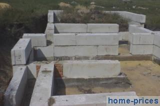ленточный бетоно-блоковый фундамент